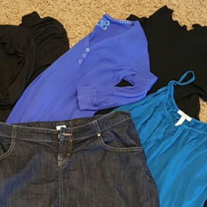 Dresses & Skirts - Lot of maternity clothes